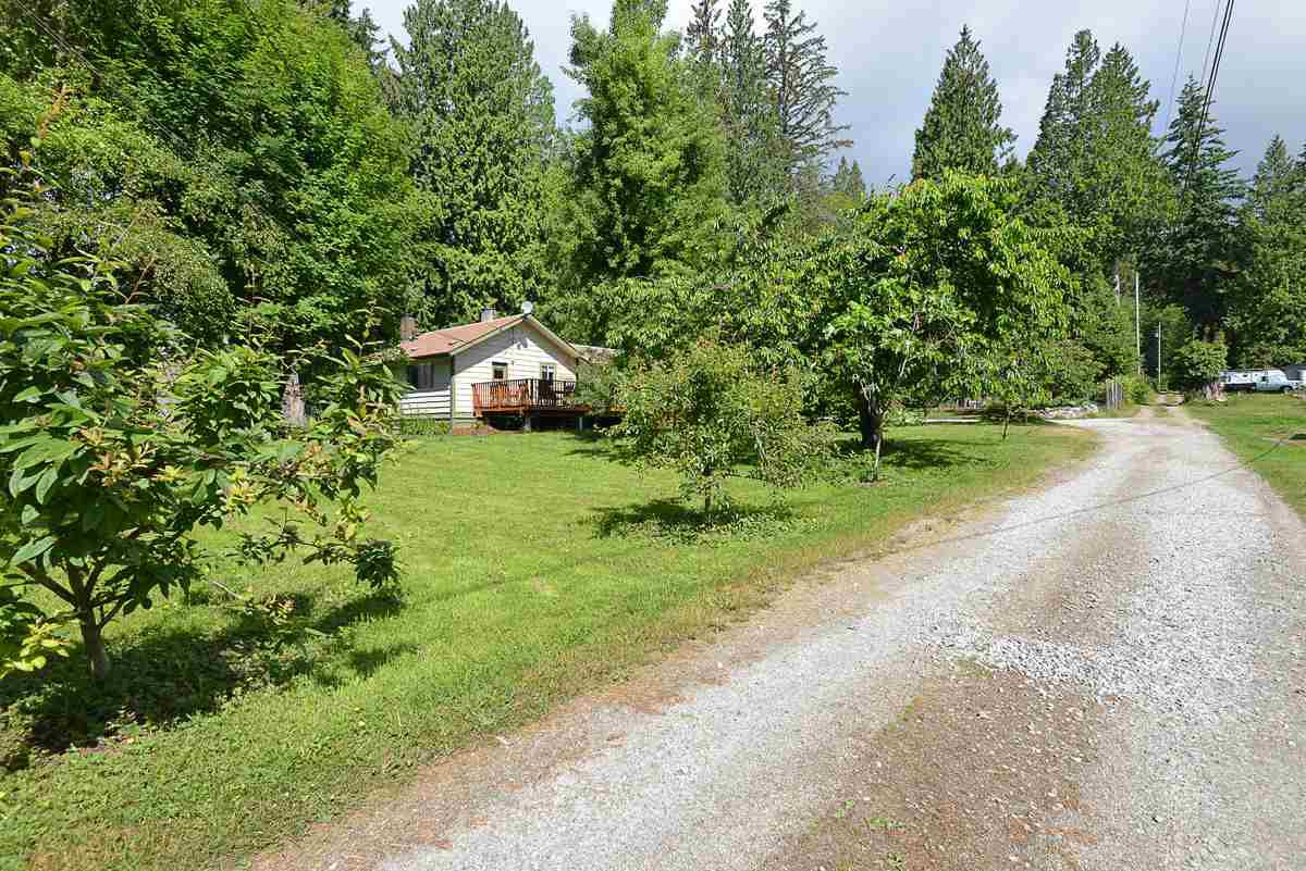 Main Photo: 1102 REED Road in Gibsons: Gibsons & Area House for sale (Sunshine Coast)  : MLS®# R2448224