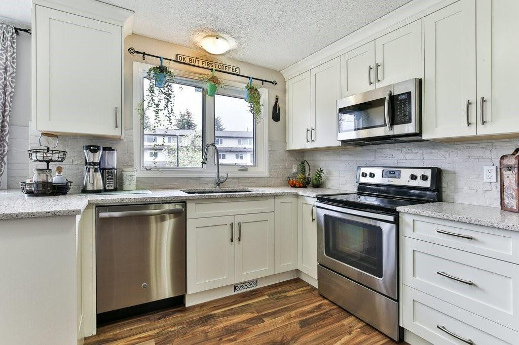 Photo 1: Photos: 83 1190 Ranchview Road NW in Calgary: Ranchlands Row/Townhouse for sale : MLS®# C4306556
