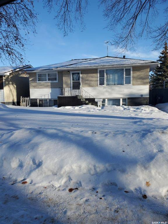 Main Photo: 434 V Avenue South in Saskatoon: Pleasant Hill Residential for sale : MLS®# SK839074