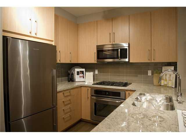 Photo 2: Photos: 506 139 W 22nd Street in North Vancouver: Central Lonsdale Condo for sale : MLS®# V919441