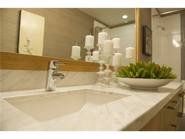 Photo 3: Photos: 506 139 W 22nd Street in North Vancouver: Central Lonsdale Condo for sale : MLS®# V919441