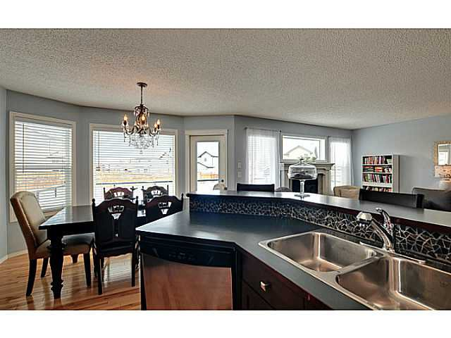 Photo 5: Photos: 340 NEW BRIGHTON Place SE in CALGARY: New Brighton Residential Detached Single Family for sale (Calgary)  : MLS®# C3596786