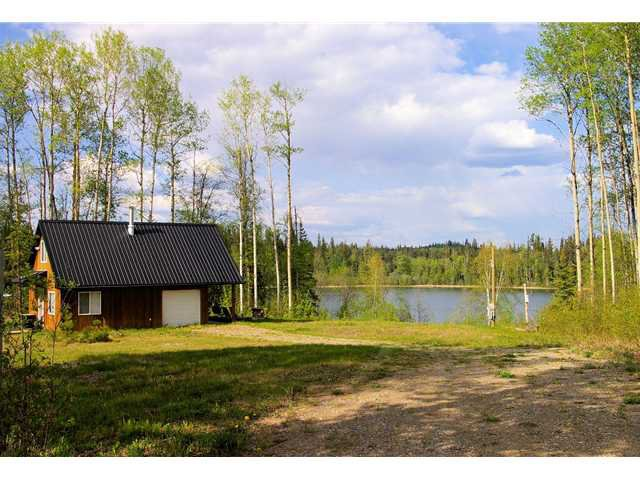 Main Photo: 28300 JOELLEN Road in Prince George: Ness Lake House for sale (PG Rural North (Zone 76))  : MLS®# N245036