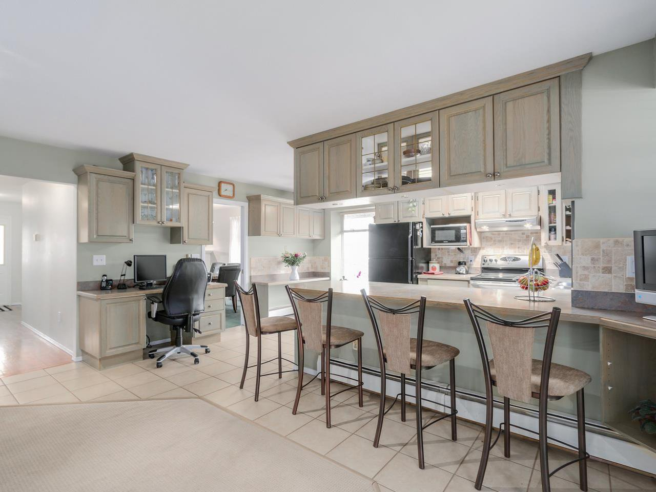 """Photo 7: Photos: 2559 BLUEBELL Avenue in Coquitlam: Summitt View House for sale in """"SUMMITT VIEW"""" : MLS®# R2064204"""