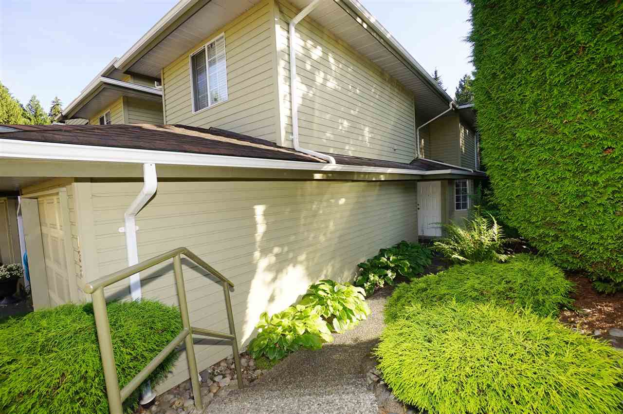 """Photo 1: Photos: 135 1386 LINCOLN Drive in Port Coquitlam: Oxford Heights Townhouse for sale in """"MOUNTAIN PARK VILLAGE"""" : MLS®# R2083208"""