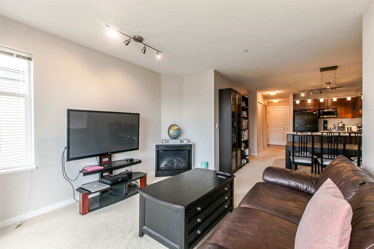"""Photo 3: Photos: 319 4833 BRENTWOOD Drive in Burnaby: Brentwood Park Condo for sale in """"BRENTWOOD GATE"""" (Burnaby North)  : MLS®# R2087500"""
