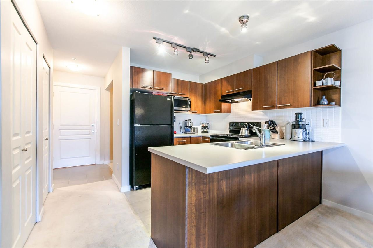 """Photo 6: Photos: 319 4833 BRENTWOOD Drive in Burnaby: Brentwood Park Condo for sale in """"BRENTWOOD GATE"""" (Burnaby North)  : MLS®# R2087500"""