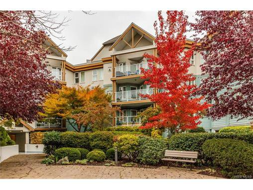 Main Photo: 410 490 Marsett Pl in VICTORIA: SW Royal Oak Condo Apartment for sale (Saanich West)  : MLS®# 747661