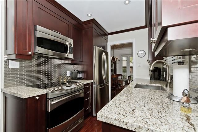 Photo 3: Photos: 4018 Erindale Station Road in Mississauga: Creditview House (2-Storey) for sale : MLS®# W3790071