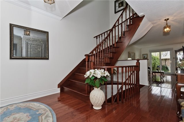 Photo 2: Photos: 4018 Erindale Station Road in Mississauga: Creditview House (2-Storey) for sale : MLS®# W3790071