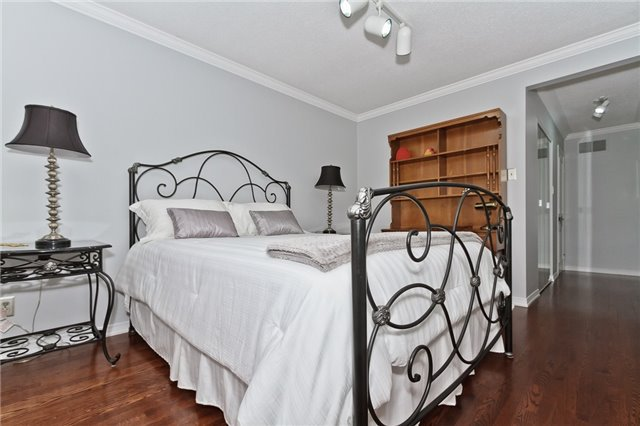 Photo 12: Photos: 4018 Erindale Station Road in Mississauga: Creditview House (2-Storey) for sale : MLS®# W3790071
