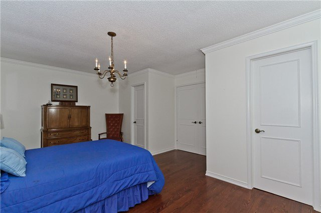 Photo 9: Photos: 4018 Erindale Station Road in Mississauga: Creditview House (2-Storey) for sale : MLS®# W3790071