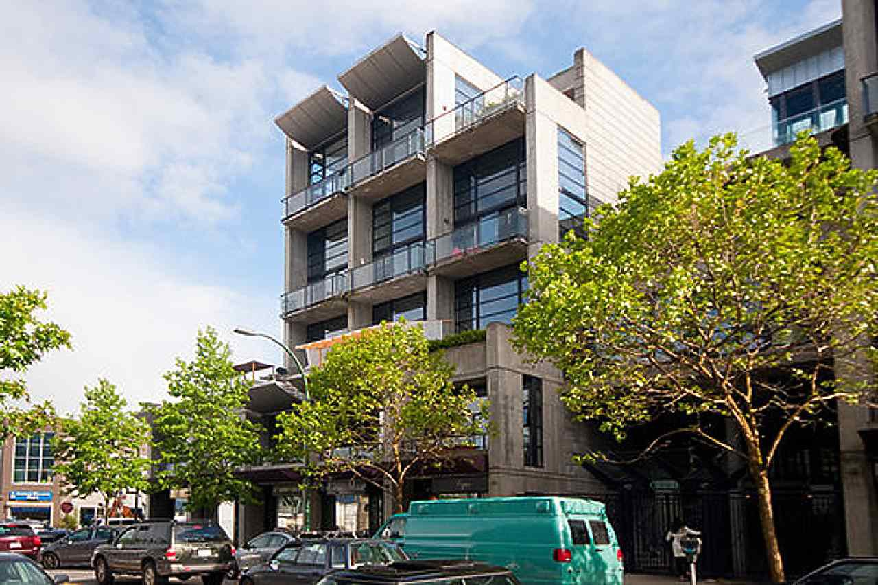 """Main Photo: 312 428 W 8TH Avenue in Vancouver: Mount Pleasant VW Condo for sale in """"XL LOFTS"""" (Vancouver West)  : MLS®# R2183046"""