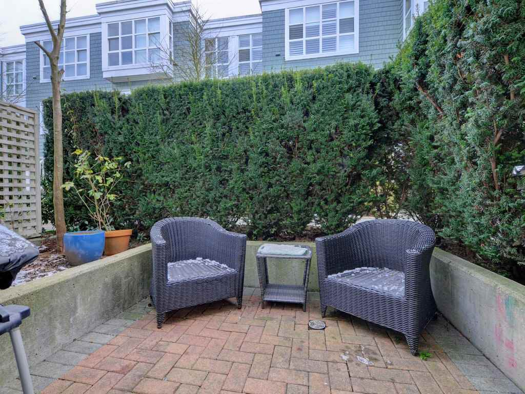 "Photo 18: Photos: 101 657 W 7TH Avenue in Vancouver: Fairview VW Townhouse for sale in ""THE IVY'S"" (Vancouver West)  : MLS®# R2241548"