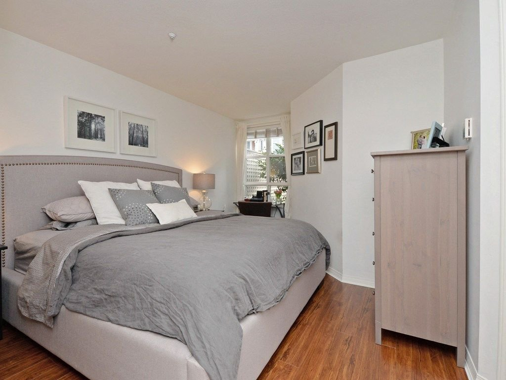 "Photo 11: Photos: 101 657 W 7TH Avenue in Vancouver: Fairview VW Townhouse for sale in ""THE IVY'S"" (Vancouver West)  : MLS®# R2241548"