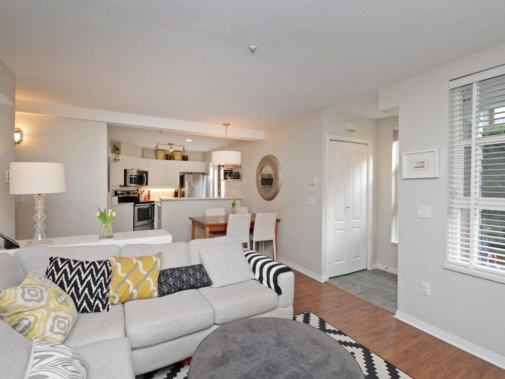 "Photo 6: Photos: 101 657 W 7TH Avenue in Vancouver: Fairview VW Townhouse for sale in ""THE IVY'S"" (Vancouver West)  : MLS®# R2241548"