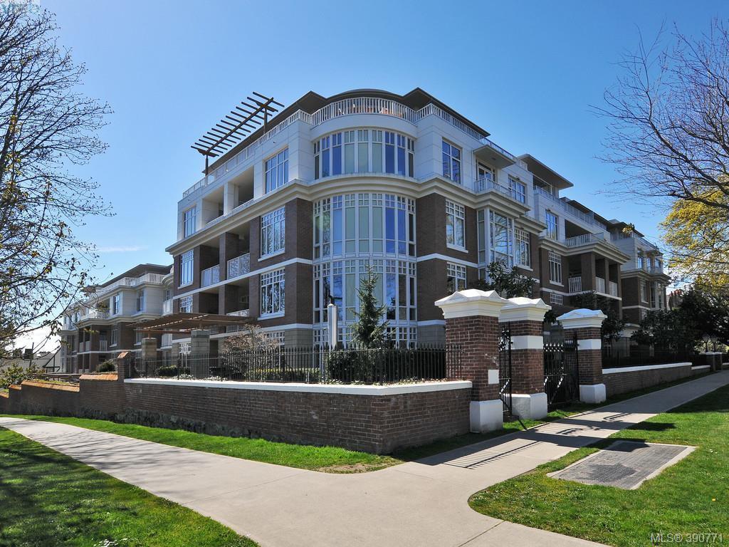 Main Photo: 311 999 Burdett Avenue in VICTORIA: Vi Downtown Condo Apartment for sale (Victoria)  : MLS®# 390771