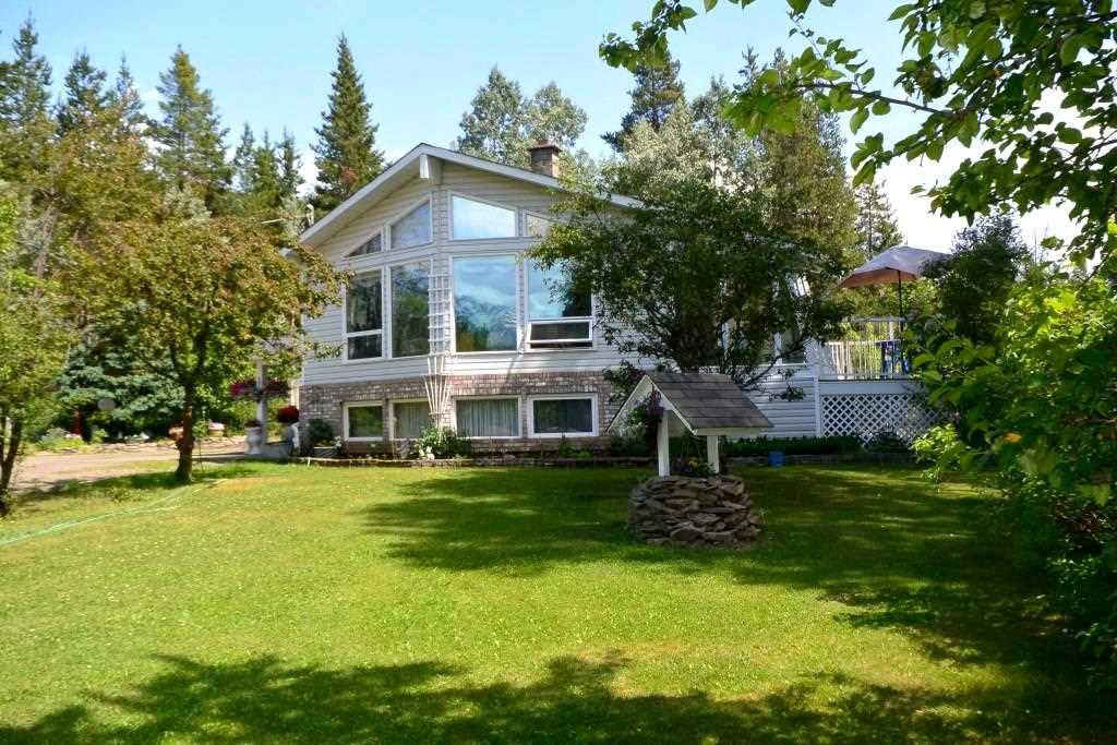 "Main Photo: 1318 S VIEWMOUNT Road in Smithers: Smithers - Rural House for sale in ""Viewmount"" (Smithers And Area (Zone 54))  : MLS®# R2282891"