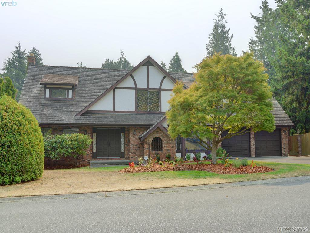 Main Photo: 2314 Greenlands Rd in VICTORIA: SE Arbutus House for sale (Saanich East)  : MLS®# 795675