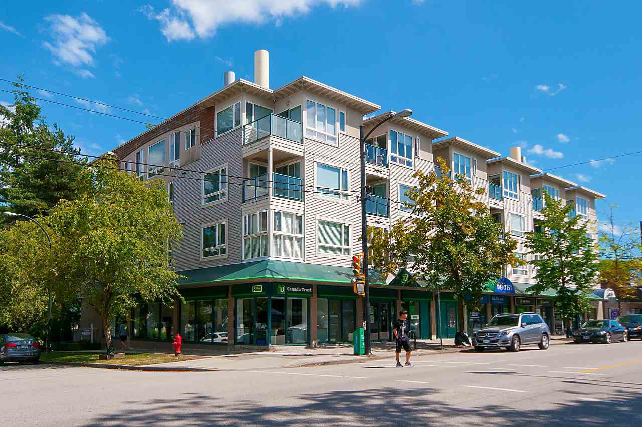 "Main Photo: 205 3590 W 26TH Avenue in Vancouver: Dunbar Condo for sale in ""DUNBAR HEIGHTS"" (Vancouver West)  : MLS®# R2301689"
