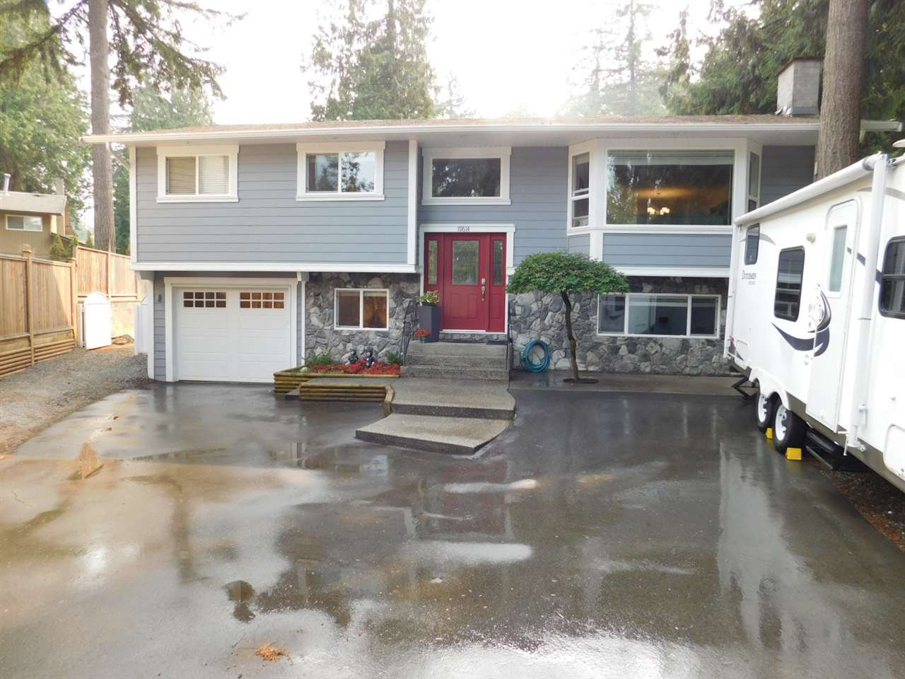 Main Photo: 19614 47 Avenue in Langley: Langley City House for sale : MLS®# R2306828