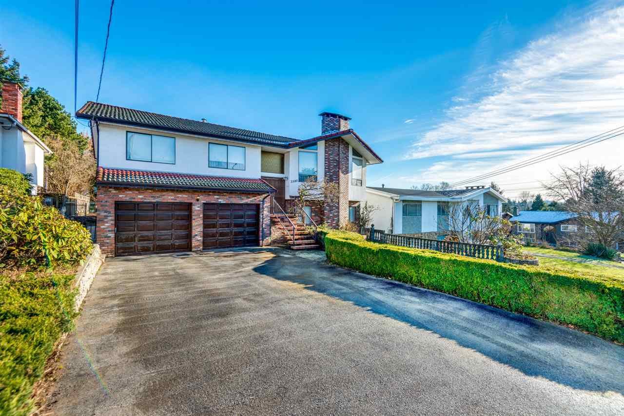 Main Photo: 2580 ELLERSLIE Avenue in Burnaby: Montecito House for sale (Burnaby North)  : MLS®# R2327351