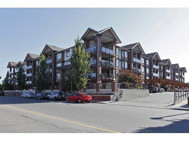 Main Photo: 150 5660 201A Street in Langley: Langley City Condo for sale : MLS®# R2372359