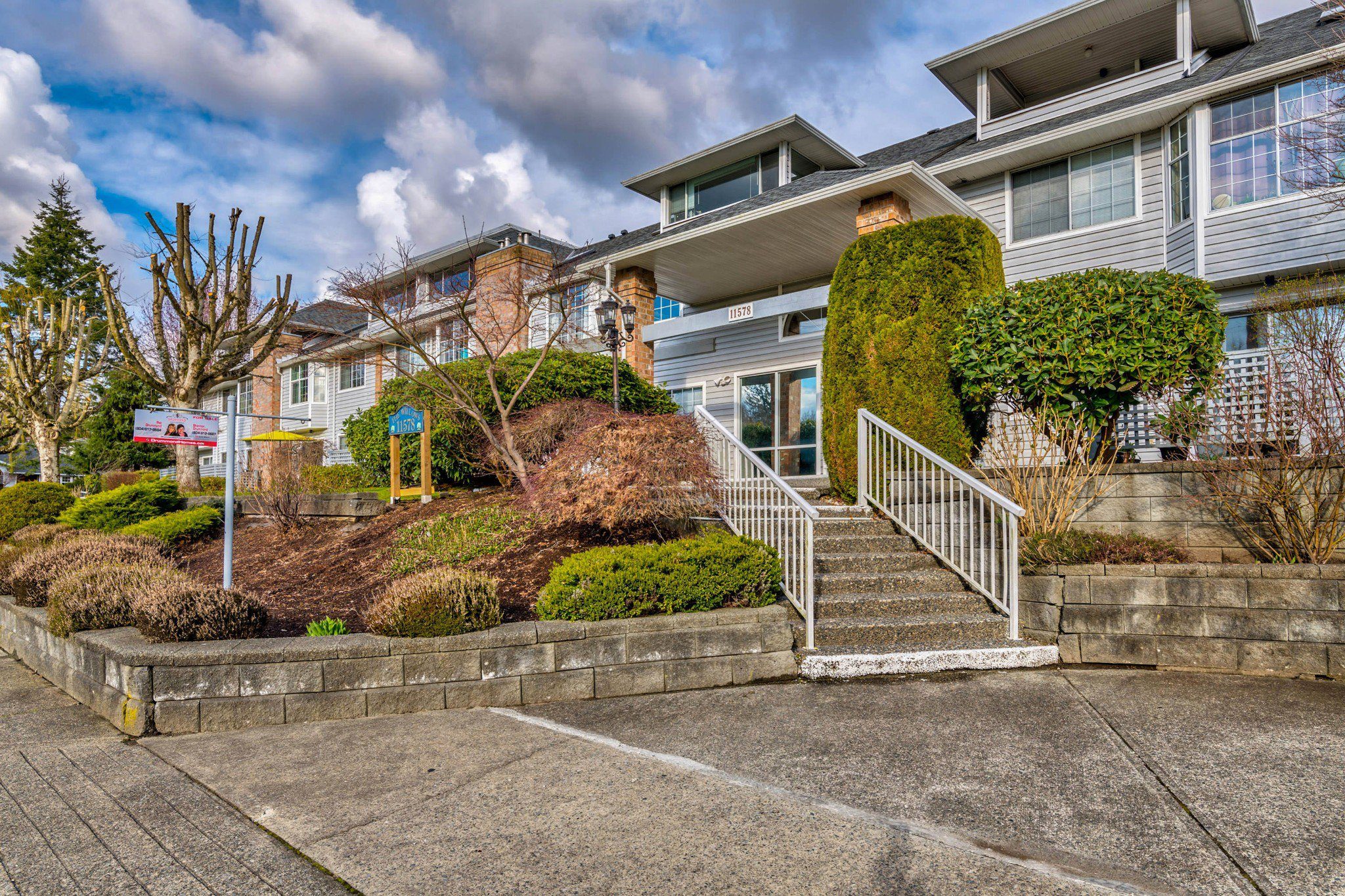 Main Photo: 109 11578 225 Street in Maple Ridge: East Central Condo for sale : MLS®# R2520190