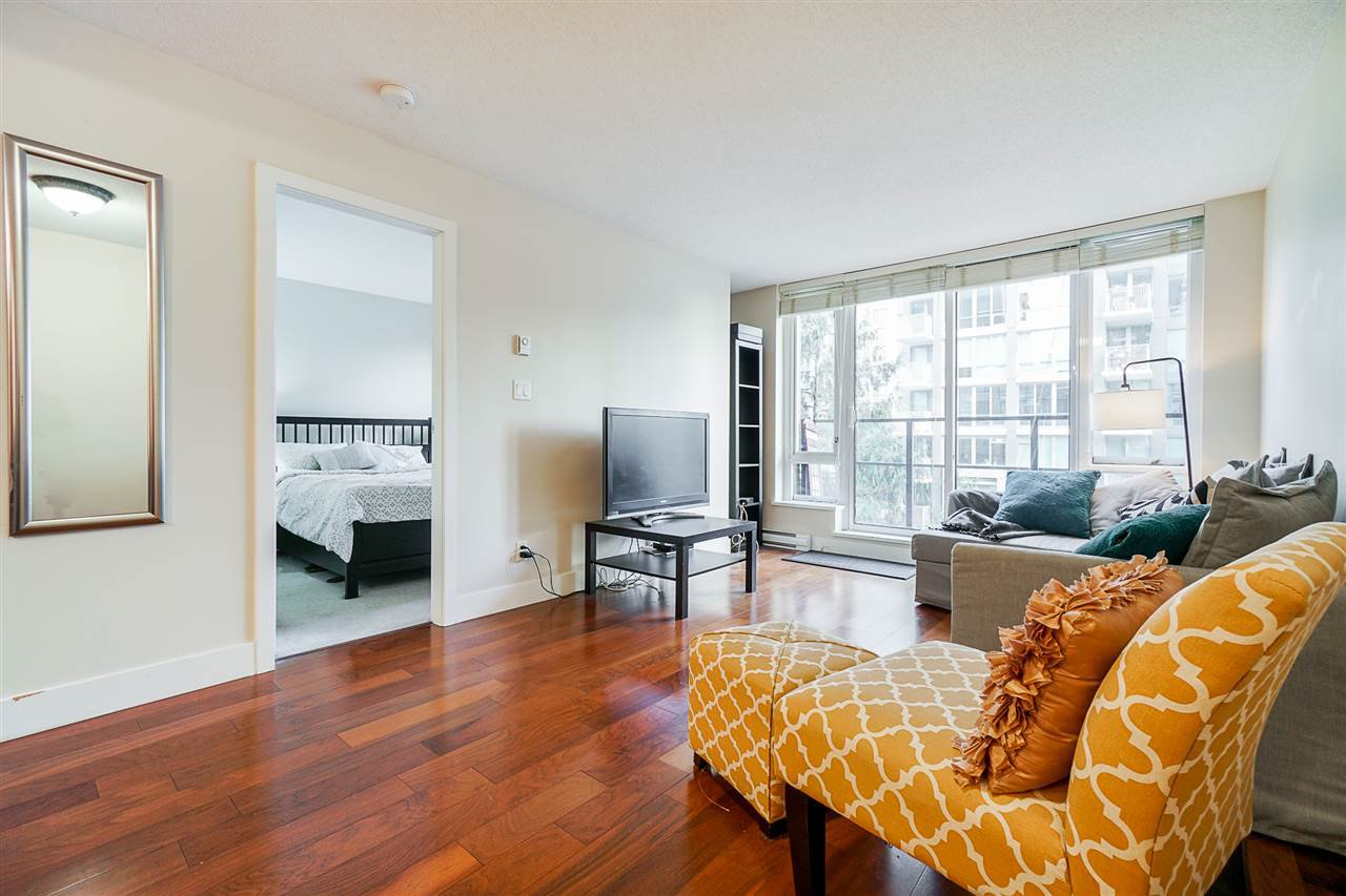 Main Photo: 608 1088 RICHARDS Street in Vancouver: Yaletown Condo for sale (Vancouver West)  : MLS®# R2526057