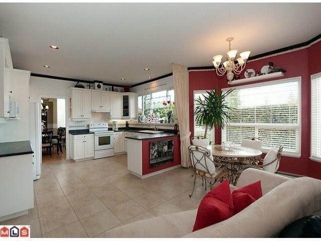 "Photo 8: Photos: 16807 GREENWAY Drive in Surrey: Fleetwood Tynehead House for sale in ""Fleetwood Tynehead"" : MLS®# F1106084"