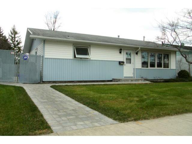 Main Photo: 560 Mcmeans Avenue East in WINNIPEG: Transcona Residential for sale (North East Winnipeg)  : MLS®# 1108608