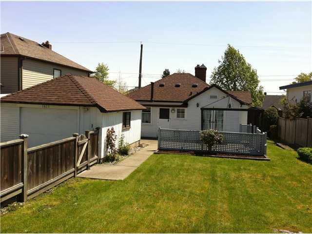 Photo 3: Photos: 1925 EDINBURGH Street in New Westminster: West End NW House for sale : MLS®# V889692