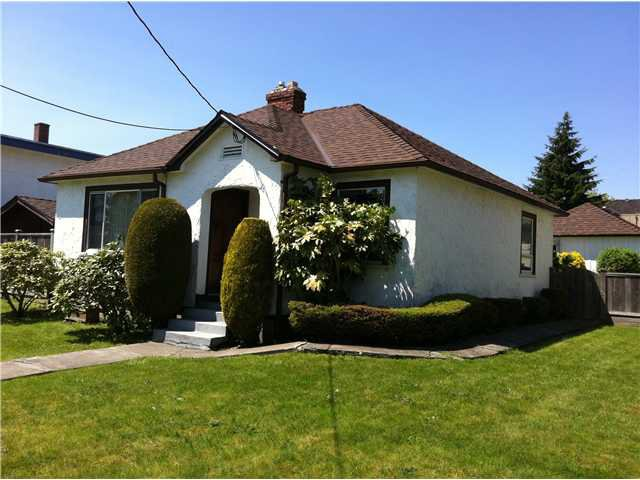 Photo 2: Photos: 1925 EDINBURGH Street in New Westminster: West End NW House for sale : MLS®# V889692