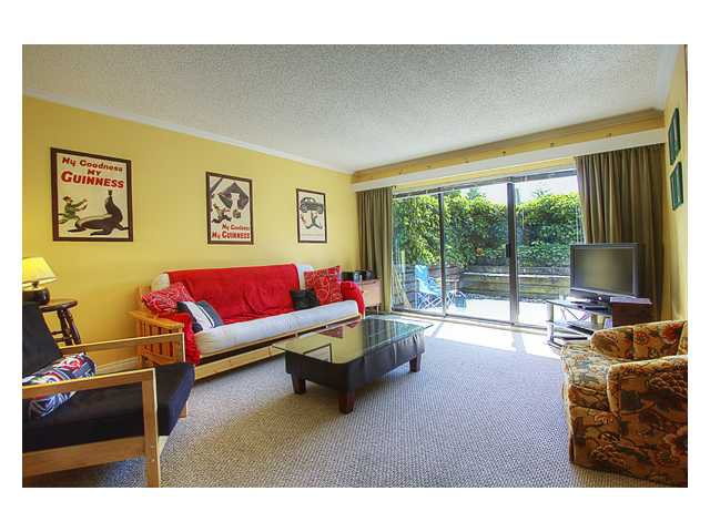"Main Photo: 103 340 GINGER Drive in New Westminster: Fraserview NW Townhouse for sale in ""FRASER MEWS"" : MLS®# V895539"