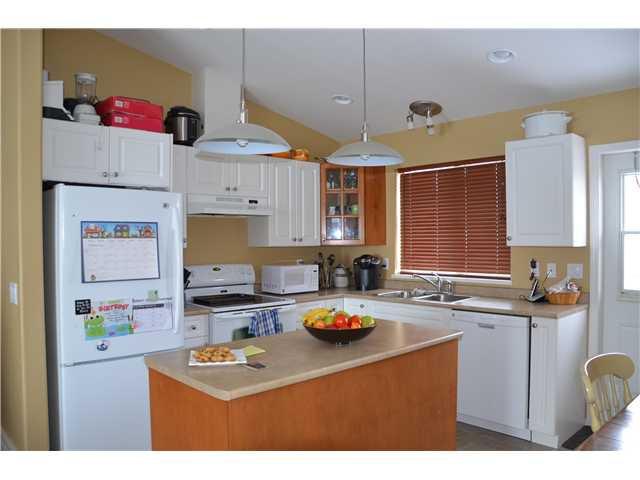 """Photo 3: Photos: 8903 115TH Avenue in Fort St. John: Fort St. John - City NE House for sale in """"PANARAMA RIDGE"""" (Fort St. John (Zone 60))  : MLS®# N233287"""