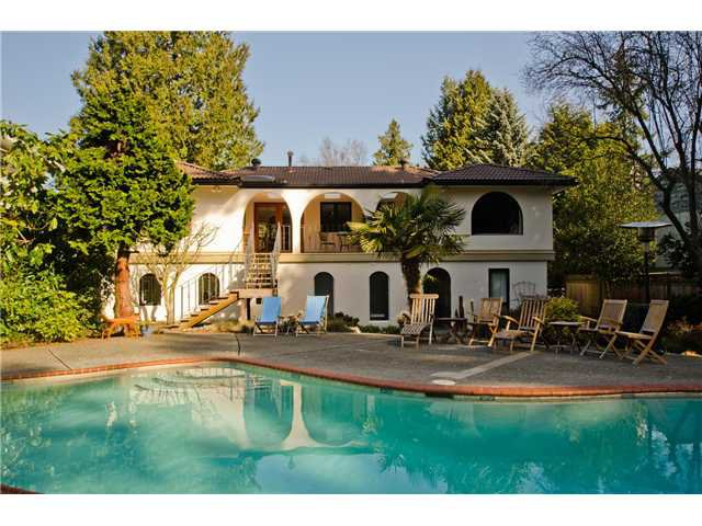 Main Photo: 5284 WALLACE Avenue in Tsawwassen: Pebble Hill House for sale : MLS®# V1052173