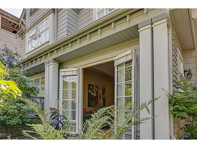 Main Photo: 2656 W 2ND Avenue in Vancouver: Kitsilano House 1/2 Duplex for sale (Vancouver West)  : MLS®# V1059274