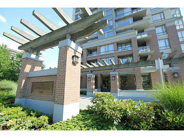 "Main Photo: 608 4888 BRENTWOOD Drive in Burnaby: Brentwood Park Condo for sale in ""FITZGERALD"" (Burnaby North)  : MLS®# V1130067"