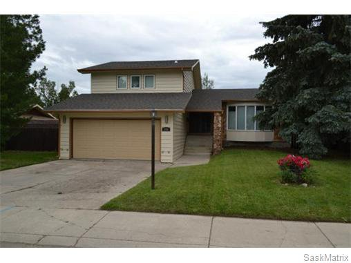 Main Photo: 306 Dore Way in Saskatoon: Lawson Heights Single Family Dwelling for sale (Saskatoon Area 03)  : MLS®# 544374