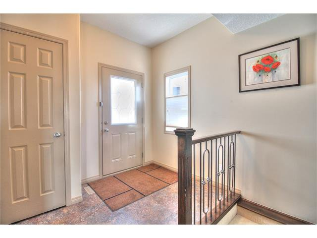 Photo 3: Photos: 90 EVERGLEN Crescent SW in Calgary: Evergreen House for sale : MLS®# C4033860