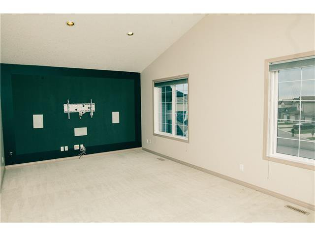 Photo 20: Photos: 90 EVERGLEN Crescent SW in Calgary: Evergreen House for sale : MLS®# C4033860