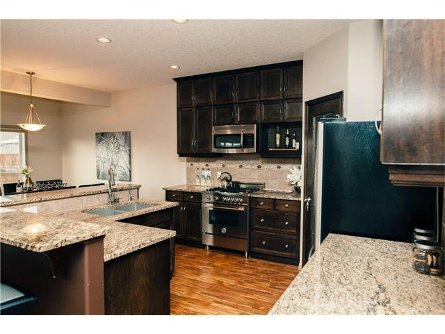 Photo 10: Photos: 90 EVERGLEN Crescent SW in Calgary: Evergreen House for sale : MLS®# C4033860