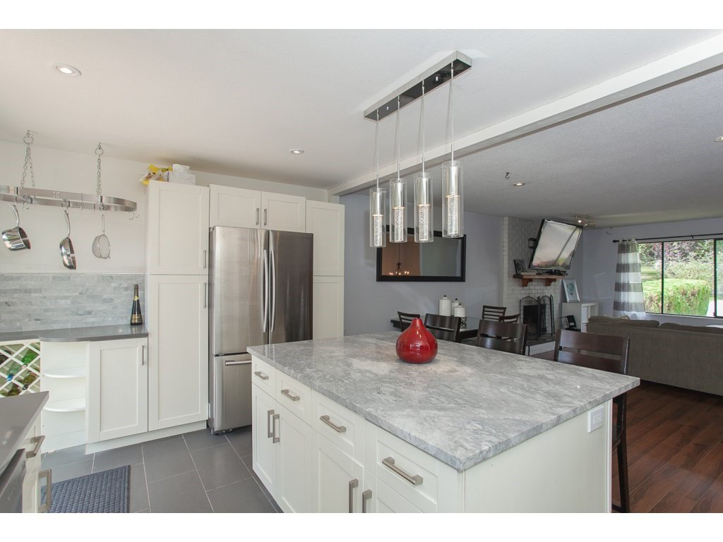 """Photo 10: Photos: 19834 68TH Avenue in Langley: Willoughby Heights House for sale in """"North Langley Meadows"""" : MLS®# R2087001"""