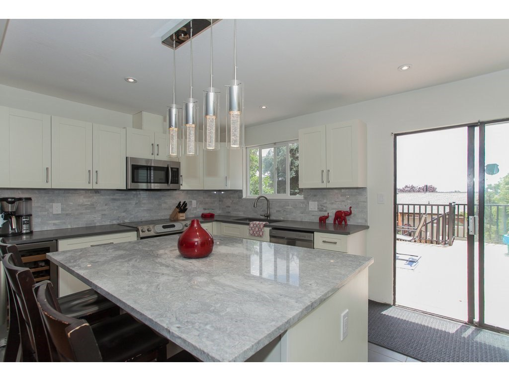 """Photo 12: Photos: 19834 68TH Avenue in Langley: Willoughby Heights House for sale in """"North Langley Meadows"""" : MLS®# R2087001"""
