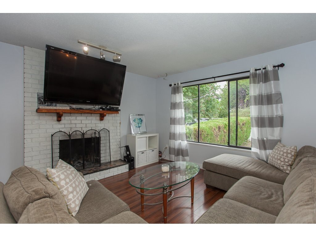 """Photo 3: Photos: 19834 68TH Avenue in Langley: Willoughby Heights House for sale in """"North Langley Meadows"""" : MLS®# R2087001"""