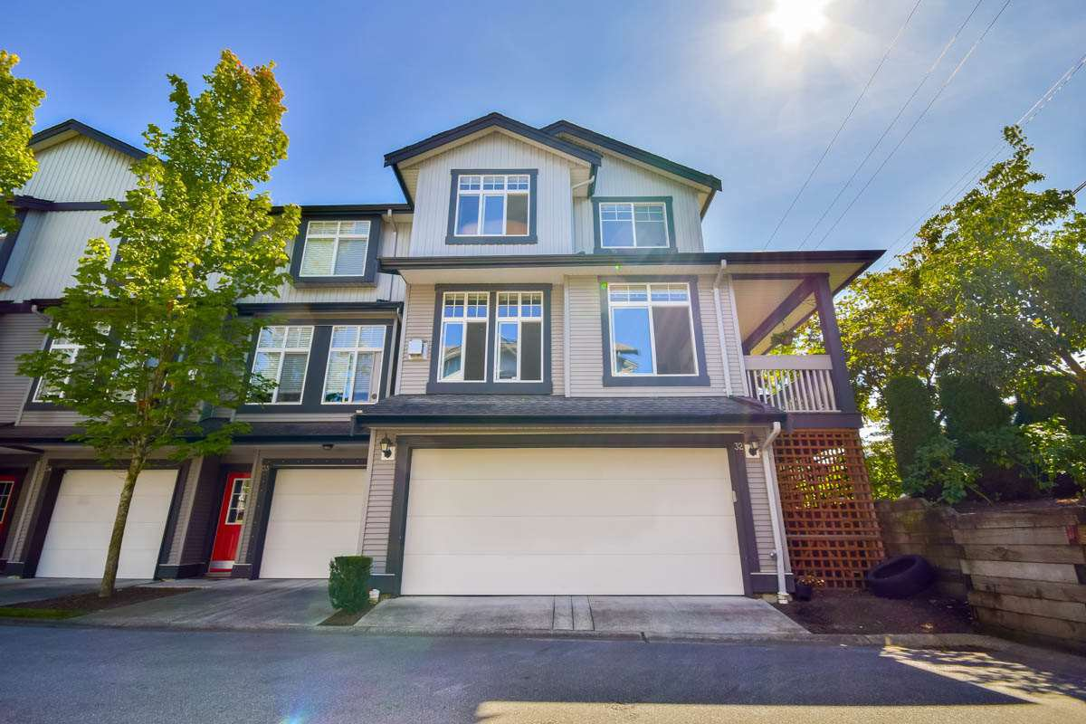 "Main Photo: 32 18828 69 Avenue in Surrey: Clayton Townhouse for sale in ""StarPoint"" (Cloverdale)  : MLS®# R2101515"
