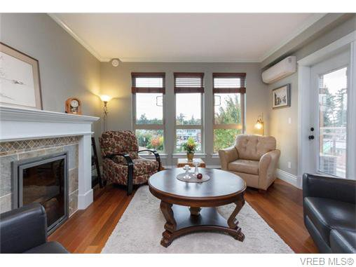 Main Photo: 306 755 Goldstream Ave in VICTORIA: La Langford Proper Condo Apartment for sale (Langford)  : MLS®# 743728