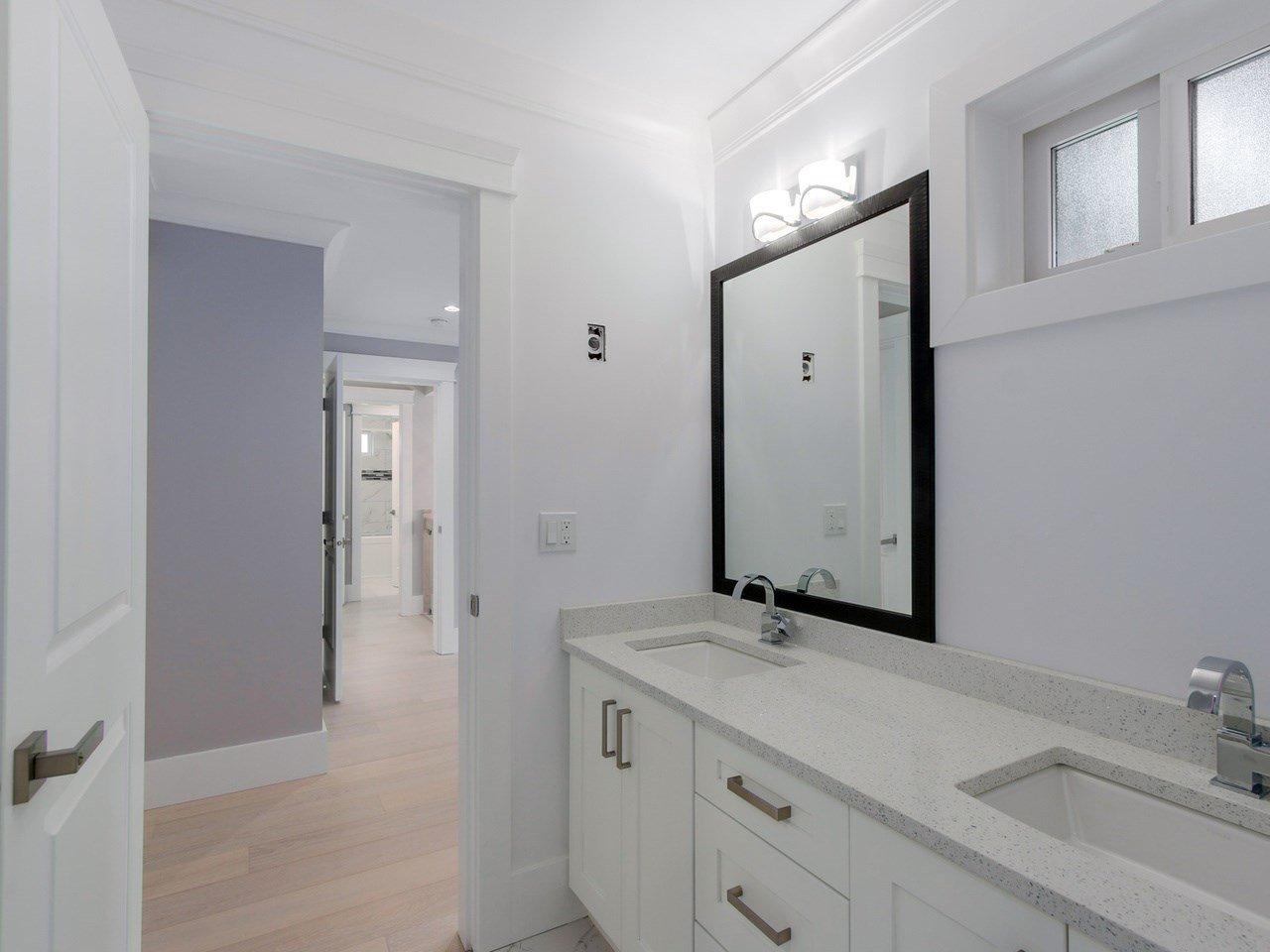Photo 16: Photos: 1560 MAPLE Street: White Rock House for sale (South Surrey White Rock)  : MLS®# R2138926