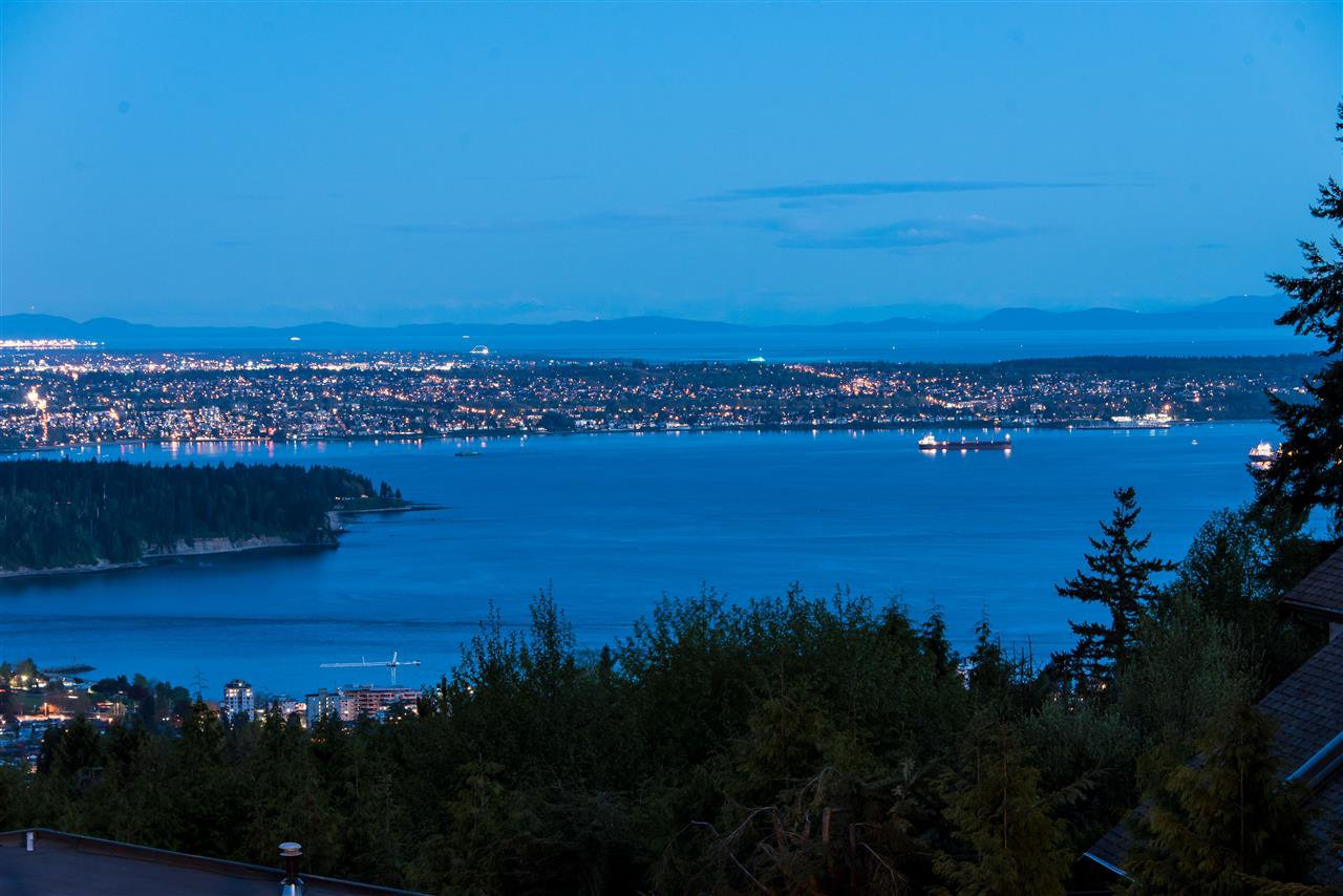 Photo 3: Photos: 1435 CHARTWELL DRIVE in West Vancouver: Chartwell House for sale : MLS®# R2164175