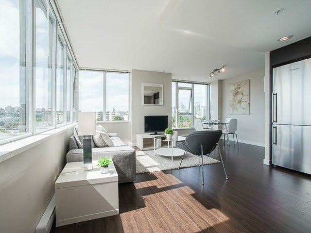 Main Photo: 811 445 W 2ND Avenue in VANCOUVER: False Creek Condo for sale (Vancouver West)  : MLS®# V1140639